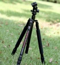 微型照相机三脚架